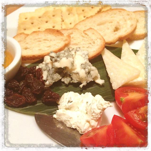 チーズの盛り合わせ&トマト