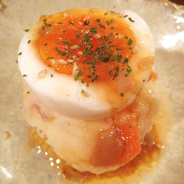 半熟卵とポテトサラダ