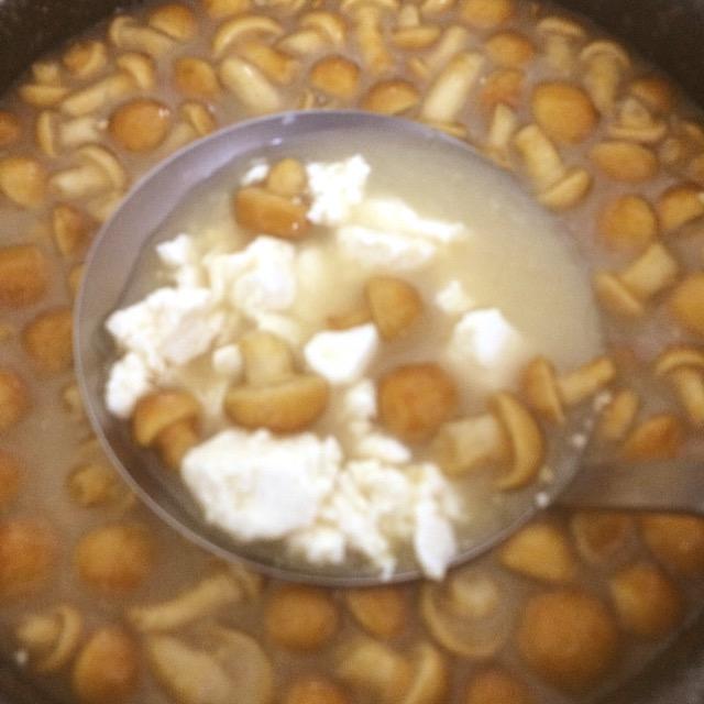 なめこと豆腐のとろとろみそ汁_みんなの発酵レシピ