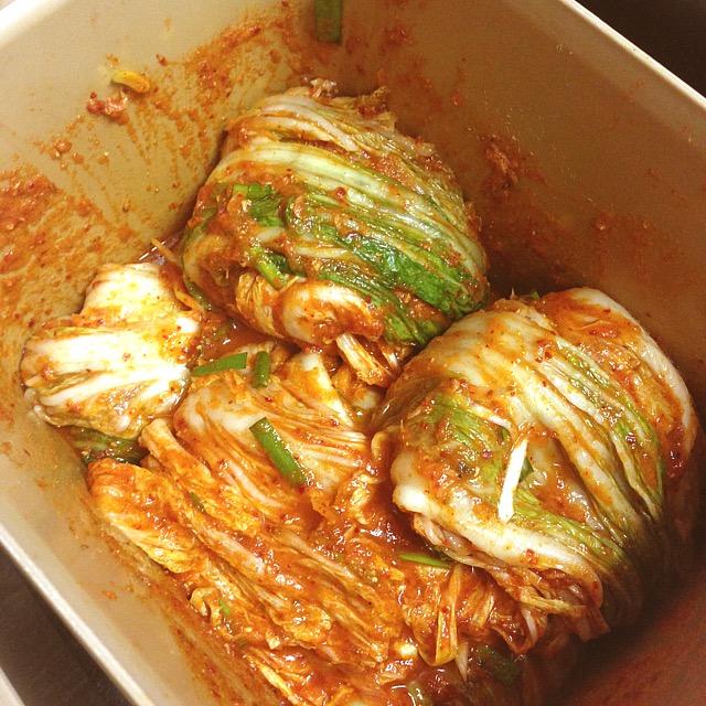 人気焼肉店の本格韓国キムチ_丸くたたむ