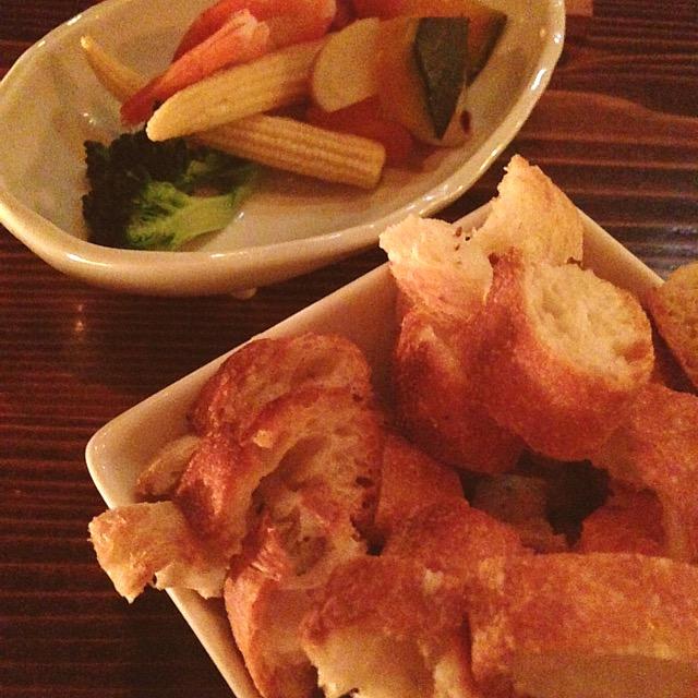 チーズフォンデュのお野菜とパン